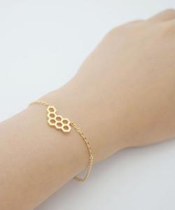 Palavras-chave oco geométrico wasp honeycomb charme p bracelet hexágono honeycomb abelha animal pulseira moda polígono fêmea fêmea criança presente pingente jóias