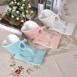 Ama la taza de té en forma de corazón y la cerámica del platillo Taza de café en forma de corazón para el día de San Valentín Vasos de regalo muchos colores 13 5zz C RZ