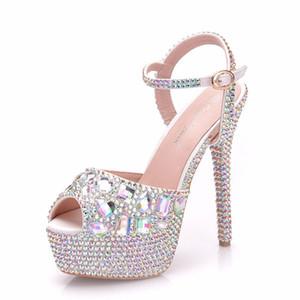 Novo verão branco fivela peep toe sapatos para as mulheres super sapatos de salto alto moda stiletto sapatos de casamento sapatos de salto plataforma AB Cristal Sandálias De Noiva