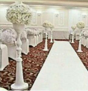 110cm hoher Großhandelsweißmetallgang steht Hochzeiten / Pfosten / wedding Kristallgehwegblumenstand für Hochzeitsdekoration
