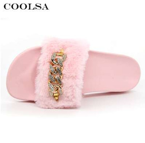 Coolsa neue Sommer-Frauen-Plüsch-Hausschuhe Nette flauschigen Fell Slides Diamant-Kettenfrau Indoor Slipper Freizeitschuh-Party-Sandale
