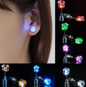 1 Pair Led Flashing Earrings Crystal Luminous Bright Ear Stud for Christmas Halloween Dance Club Party Festival Fashion Lover Wowen Gift
