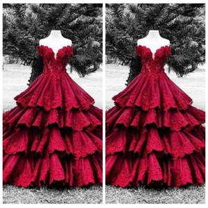 Темно-красная многослойная юбка Платья Quinceanera 2018 Кружевные аппликации с короткими рукавами Vestidos De Quinceanera Платья для вечеринок 16 Sweet Big Puffy Prom