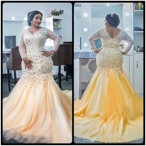 2018 Shiny Plus Size Beaded Crystal Evening Dresses Mermaid V Neck Long Sleeves Low Back Sweep Train African Prom Party Red Carpet Gowns