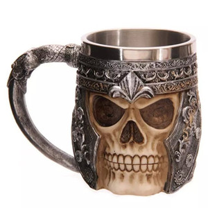 3D Reçine Kafatası Kupa Tankard Çarpıcı Kafatası Savaşçı Tankard Bira Fincan Kahve Kupa Gotik Kask Drinkware Şövalye Damar Cadılar Bayramı
