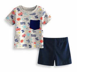 Jungen-Sommer-Auto-Druck-Kurzschluss-Hülsen-T-Shirt und Hosen-Klagen zwei Stücke Baby-Baumwollkurze Oberseiten und Stämme stellten Baby-Kleidung KN B015 ein