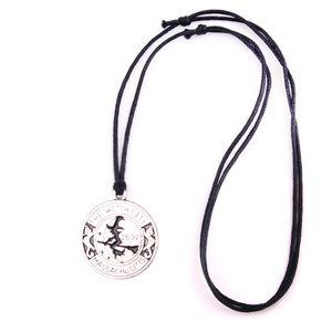 WITCH Colgante Amuleto Mágico Salem Bruja 1692 Moon Cat Broom Charm Collar Joyería Servicio de Garantía de Comercio