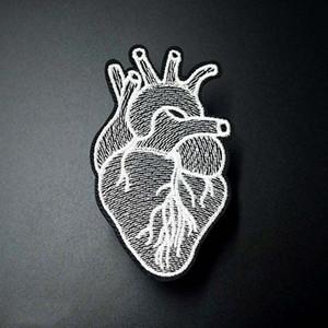 Toppe ricamate a cuore per abbigliamento Ferro su cucito Patch Distintivi svegli Hippie Cartoon DIY Badge Indumento Jeans Decorazione