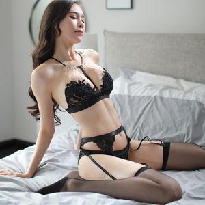 Perspektif için 2018 Yeni Kadın Erotik Lingerie Kadın Seks Iç Çamaşırı Erotik Siyah Dantel Sutyen Porno Sexy Lingerie Günaha Kostümleri
