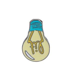 Мультфильм Эмаль Брошь Горит Лампочка Сумка Джинсовая Куртка Отворотом Воротник Pin Кнопка Pin Значок Мода Ювелирные Изделия Подарок Для Детей Девочка Мальчик