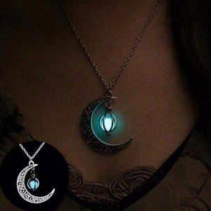 Schmuck Damen-Halskette Sailor Moon Halskette Stein Glow In The Dark Half Crescent Moon Halskette Silber für Halloween-Geschenk
