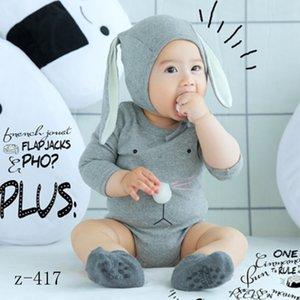 Ins Art und Weise 3PCS Baumwolle grau Babyspielanzug stellt die neugeborenen Pyjama nette langen Ohr Kaninchenhut Anti-Rutsch-Socken für Requisiten 6M Kind Fotografie