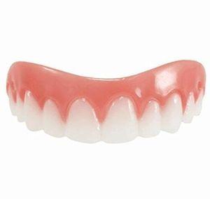 Nuevos Tirantes de dientes de silicona Sonrisas instantáneas Confort Ajuste Flex Dientes de simulación de silicona Soportes Pasta de dientes blanqueadora de silicona