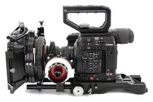 Came-TV Shoulder Rig, Mattebox가 장착 된 Canon EOS C200에 초점 맞추기 PK03