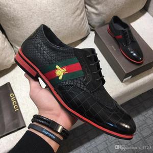 Chegada quente Moda Masculina Preto Sapatos De Couro De Lazer Designer Bordado Abelha Deslizamento Em Sapatos de Barco Para O Homem Casuais Conforto Loafe Tamanho 38-45