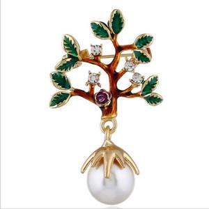 Moda di Natale Piccola spilla Perla Personalità della moda Originale Piccola spilla di albero Perni di petrolio di lusso Tecnologia a diamante Lascia la modellazione