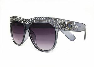 Gafas de sol de moda de estilo de verano de las mujeres edición limitada Marco de diseñador de diamante brillante Gafas de sol de protección UV popular 100% para las mujeres