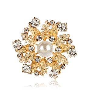 12 adet Butik Broşlar, Alaşım Yaprak Kristal Inci Beyaz Pins Lady Ücretsiz Takı Broş Kadınlar Kargo Parti LMFKW