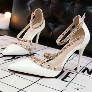 Berserk Sapatos de Salto Alto Mulheres Sapatos de Casamento Rivet Mary Jane Bombas Escarpins Femme Senhoras Lolita Gladiador Sandálias Das Mulheres