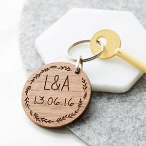 Portachiavi di nozze personalizzati in legno