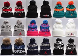 Sıcak! Kış Beanie Şapka Örme Yün gündelik takkelerden toptan Kafatası Şapka Erkekler Kadınlar Kış sporu Caps Caps