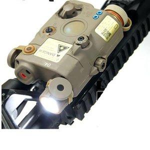 يتضمن كومبو الضوء التكتيكي PEQ 15 WMX-200 مضيا مزدوج مفتاح التحكم عن بعد (EX 418)
