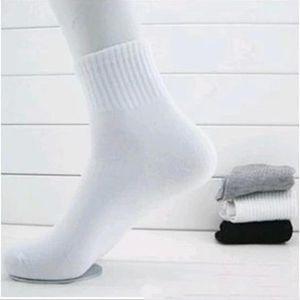 Оптовая Продажа-Хлопчатобумажный Носок-Горячие Продажи Мужские Носки Весна И Осень Мужчины Сплошной Цвет Носок Черно-Белый Серый Хлопчатобумажные Носки В Трубке #1773466