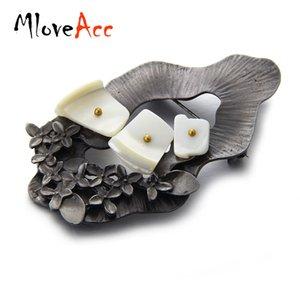 MloveAcc Vintage Pin Broches para As Mulheres Mais Recente Design Irregular Shell Flor Folhas Broche de Pingente Mulheres Roupas Saco Acessórios