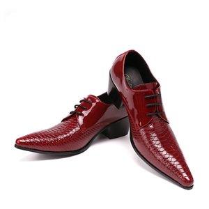 Christia Bella İngiliz Tarzı Sivri Burun Hakiki Deri İş Elbise Ayakkabı Erkekler Gece Kulübü Ayakkabı Serpantin Düğün Ayakkabı Kırmızı