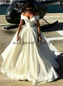 Matte Stain Wedding Dresses 2018 Modest Puffy Skirt Off Shoulder Sweep Train Runway Outdoor Garden Civil Castle Wedding Gown Plus size