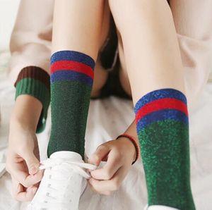 Fashion Harajuku Women Glitter Socks Casual Calze a righe Femminile Ragazze Silver Shiny Long Socks Bambini Sox Calcetines Meias 4 colori
