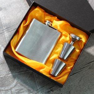 7 Unzen Edelstahl Flachmann Set mit 2 Stück Tassen und 1 Stück Trichter Portable Tasche Wein Flasche Whisky Flachmann