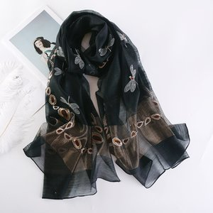 2018 New Silk Wool Scarf Women Elegant Dragonfly Embroidery Scialli Wrap High Quality Lady Sciarpe Pashmina Winter Scarf Bandana