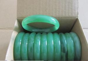 25pcs / lotLot مجوهرات اليشم الأخضر الأحجار الكريمة أساور الإسورة خمر سحر JADE! الحار! تسوق مجاني