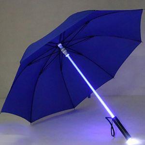 LED sabre laser Light Up Umbrellas Épée laser up Parapluies de golf changeant sur le manche / Parapluie flash intégré à la torche TQ