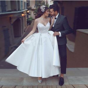 Robes de mariée courtes magnifiques Col en V Spaghetti avec bretelles en dentelle Satin Longueur des robes de mariée à la cheville Robes de mariée élégantes vestito da sposa