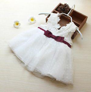 Schöne Bow Baby-Kleid Baumwolle weiche Spitze Newborn Bady Klage-Baby-Kleidung Qualitäts-Mädchen-Kleider