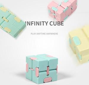 Magic Cube Professional Speed Puzzle Cube Twist Toys 3x3 Classic Puzzle Magic Toys Adultos y Niños Juguetes Educativos Multicolor MF003