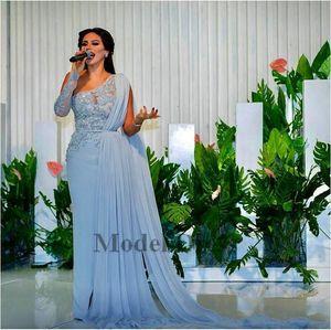 2018 Himmelblau Mantel Arabisch Abendkleider Eine Schulter Spitze Applique Perlen Pailletten Schärpe Mit Cape Side Split Chiffon Prom Party Kleider