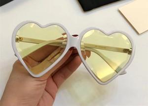 Lujo 0360 Gafas de sol para mujer Marco de corazón popular Modelo de moda UV Protección Lente Estilo de verano Calidad superior Ven con caso