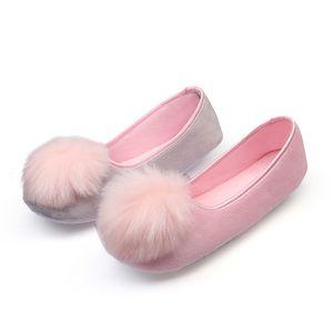 Dropshipping 2018 Hot Sale Mulheres Indoor Sapatos Chinelos Em Casa Primavera Outono Flanela Quente Chinelos Doces Macios Confortável Grávida
