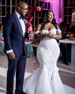 2019 Nuovi abiti da sposa in pizzo a sirena con Sweep Train Off Shoulder Plus Size Dubai Abiti da sposa arabi Zipper indietro Medio Oriente