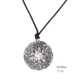 Talismano slavo Argento / Colore dorato Triskele Spiral Symbol Nodo Collana gotica Collana uomo Accessori Drop Shipping
