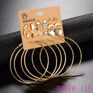3 takım Küçük Yıldız Kalp Ay Küpe Setleri Kadınlar Kadın Büyük Daire Asılı Kulak Çiviler Kulak Kolye Brincos Aros Takı E0616