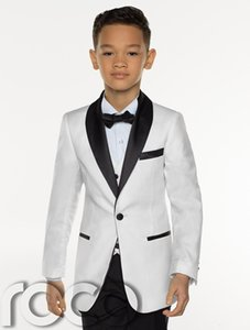 2018 Cheap Three Pieces White Boy's Tuxedos Custom Made Kids Wedding Party Tuxedos Boy's Formal Dinner Suit (Jacket+Tie+pants+vest)