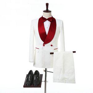Damat Kırmızı Şal Yaka İki Adet Custom Made Formal Erkekler Suits Fildişi Çift Breasted Düğün Smokin (Ceket + Pantolon)