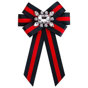 Nuevo Arco de Cristal Mujeres Broches Pins Tela de Lona Bowknot Tie Corbata Corsage Broche para Las Mujeres Ropa Accesorios de Vestir