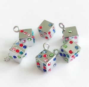 10 ADET / Lot Renkli Rhinestone Zar asın kolye Charms DIY Aksesuar Fit Telefon Şeritleri Bileklikler Kemer Etiketler Pet Yaka Etiketler