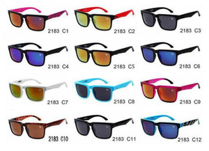 Mode Helle Multicolor Sonnenbrille Personalisierte Sport Sonnenbrille Mode Sonnenbrille Herren Brillen Blende Sonnenbrille 12 Paare