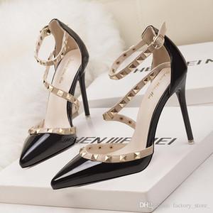 2017 fétiche rouge bas talons hauts femmes chaussures chaussures de mariage Rivet Mary Jane pompes escarpins femme dames lolita gladiateur sandales femmes